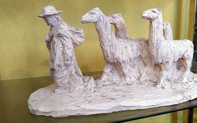 """""""Le Berger et ses Lamas"""" – Sculpture en terre crue sèche – Pièce unique"""